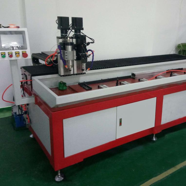 自动钻孔攻丝机设备-福誉自主研发